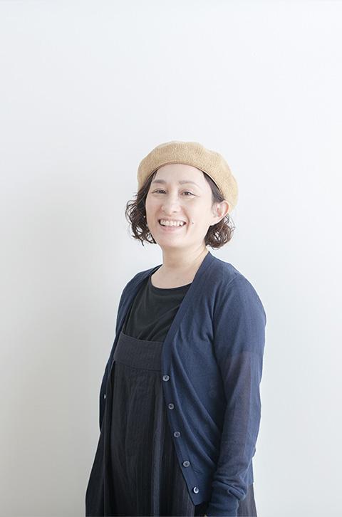 三野 綾子